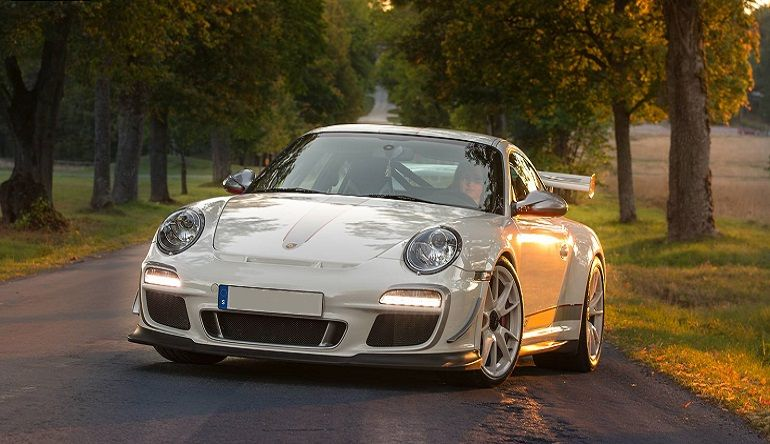 top 5 modern porsche over the past 30 years 911 gt3 rs 4 0. Black Bedroom Furniture Sets. Home Design Ideas